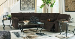 ASHLEY - CHOCOLATE DUAL RECLINING CONSOLE SECTIONAL